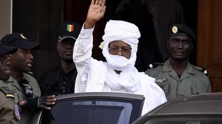 L'ancien dictateur du Tchad Hissène Habré comparaît ce lundi à Dakar (Sénégal)devant un tribunal spécial pour crimes de guerre. (SEYLLOU / AFP)