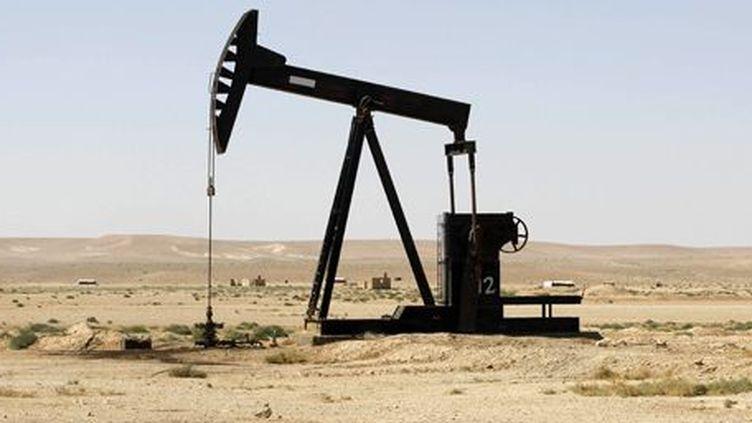 Installation pétrolière dans la province de Racca, à quelque 160 km à l'est d'Alep, dans le centre de la Syrie. (Reuters - Molhem Barakat)