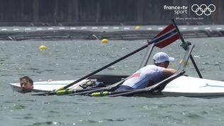 Les Norvégiens Kristoffer Brun et Are Weierholt Strandli ont vu leur embarcation chavirer en pleine course, lors des demi-finales des JO de Tokyo, le 28 juillet 2021. (franceinfo: sport)