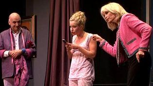 "Amanda Lear dans ""Lady Oscar"" avec Guilhem Pellegrin et Camille Hugues  (France3 / Culturebox)"