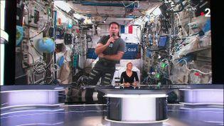 """L'astronaute français Thomas Pesquet en direct de la Station spatiale internationale dans le """"20 heures"""" de France 2, le 20 mai 2021. (FRANCE 2)"""