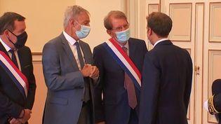 Emmanuel Macron en visite à Marseille : des réactions politiques mitigées (France 3)