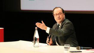 François Hollande lors d'une conférence à Rennes en janvier 2020. (BENJAMIN FONTAINE / FRANCE-BLEU ARMORIQUE)