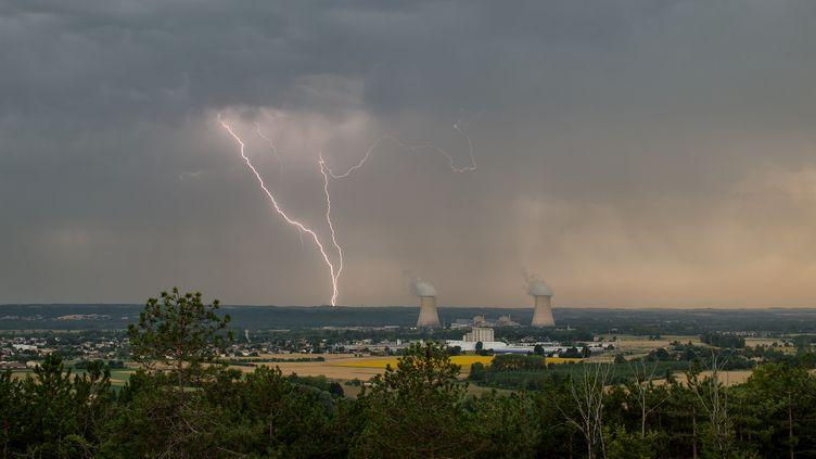 Un ciel d'orage, le 16 juillet 2015, entre le Gers et le Tarn-et-Garonne. (XAVIER DELORME / BIOSPHOTO / AFP)