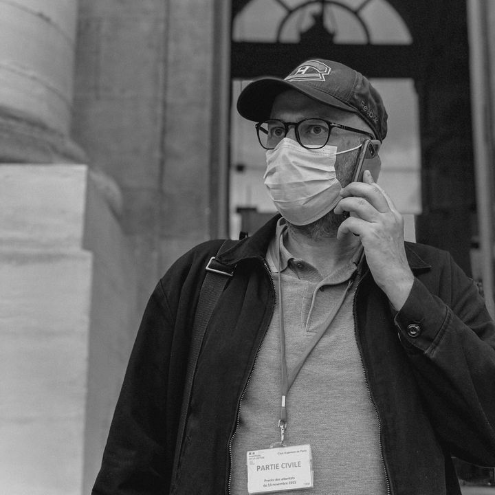 """Stéphane Toutlouyan, le """"potage"""" (contraction de """"pote"""" et d'""""otage""""). Avec David Fritz-Goeppinger, ils ont été retenus en otage au Bataclan, lors des attentats du 13-Novembre. (DAVID FRITZ-GOEPPINGER POUR FRANCEINFO)"""