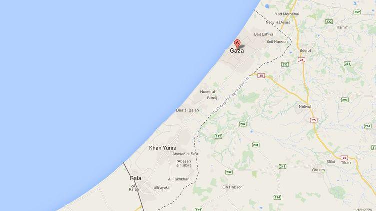 Le raid de l'armée israélienne a eu lieu mercredi 24 décembre 2014,à l'est de Khan Younès, dans le sud de la bande de Gaza. ( GOOGLE MAPS / FRANCETV INFO )