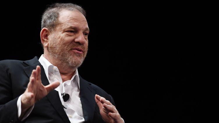 Harvey Weinstein s'exprime lors du festival du film de Tribeca, le 18 avril 2015, à New York (Etats-Unis). (ILYA S. SAVENOK / GETTY IMAGES NORTH AMERICA / AFP)