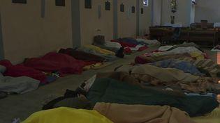 la situation est tendue à Briançon, dans les Hautes-Alpes. L'association qui hébergeaitenviron200 migrants, afghans pour la plupart, a dû fermer ses portes. Ils ont été hébergés dans une église. (CAPTURE ECRAN FRANCE 2)
