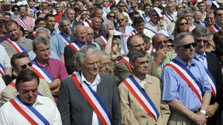Manifestation des maires de Vendée en décembre 2010. (ALAIN LE BOT / AFP )