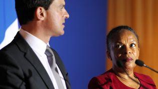 Manuel Valls et Christiane Taubira, lors d'une conférence de presse commune à Bastia (Corse), le 26 novembre 2012. (PASCAL POCHARD-CASBIANCA / AFP)