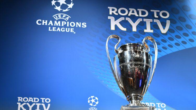Qui va s'affronter en demi-finale de la Ligue des champions et de la Ligue Europa ? (FABRICE COFFRINI / AFP)