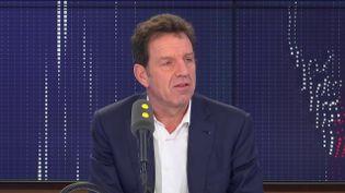 Geoffroy Roux de Bézieux, dans les studios de franceinfo, vendredi 22 novembre 2019. (FRANCEINFO / RADIOFRANCE)