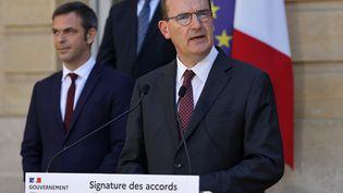 """La signature des accords du Segur de la santé qualifiée de """"moment historique"""" par le Premier Ministre Jean Castex. (THOMAS SAMSON / AFP)"""