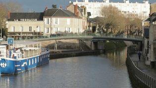 """À trois semaines du premier tour des élections municipales, France 3 s'est rendu à Montargis (Loiret), où 33% des habitants vivent avec moins de 1 026 euros par mois. Une des villes parmi les plus pauvres de France et un ancien fief des """"gilets jaunes"""". (France 3)"""
