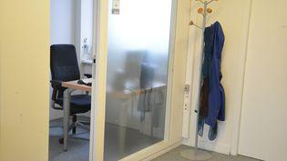 Un bureau individuel, une solution souhaitée par la plupart des salariés. (JEAN-CHRISTOPHE BOURDILLAT / RADIO FRANCE)