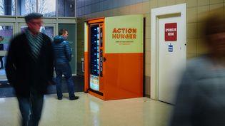 Le distributeur automatique de produits frais mis gratuitement à disposition des sans-abri à Nottingham (Royaume-Uni). (ACTIONHUNGER.ORG)