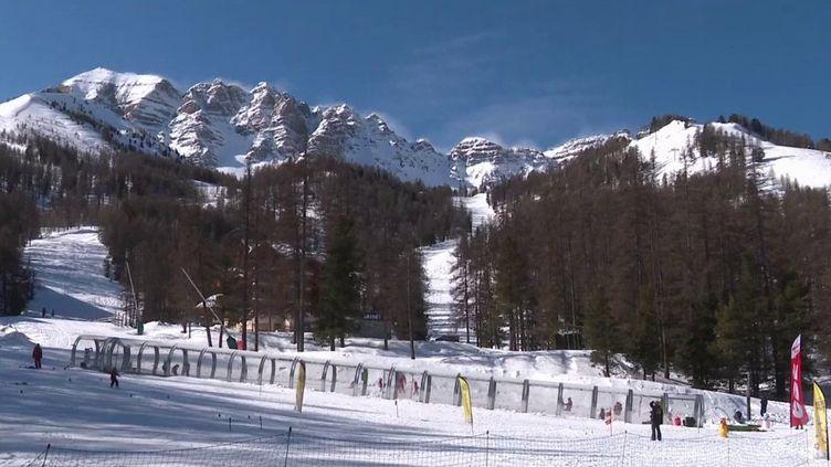 Hautes-Alpes : une saison blanche pour les stations de ski (France 3)