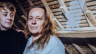 Isabelle, qui vit dans une maison mal isolée en Bretagne, a accepté de témoigner sur la situation de précarité énergétique pour notre opération #LesMalChauffés (PIERRE MOREL/FRANCEINFO)