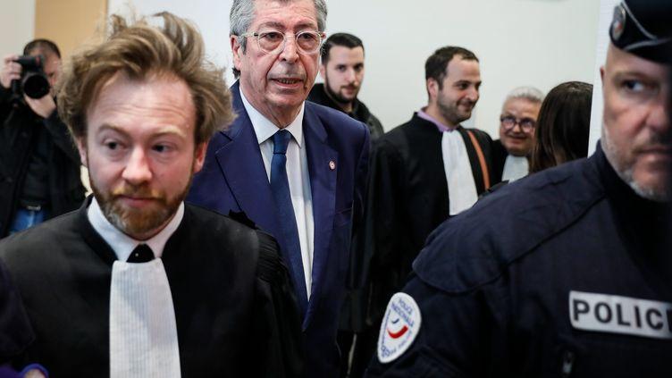 Patrick Balkany avec son avocat Antoine Vey en mai 2019. (THOMAS PADILLA / MAXPPP)