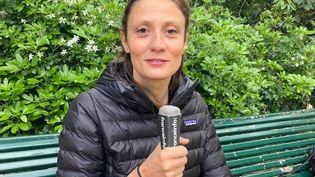 Amélie Deloffre a lancé l'école de la micro-aventure au printemps 2021. (INGRID POHU / RADIO FRANCE)