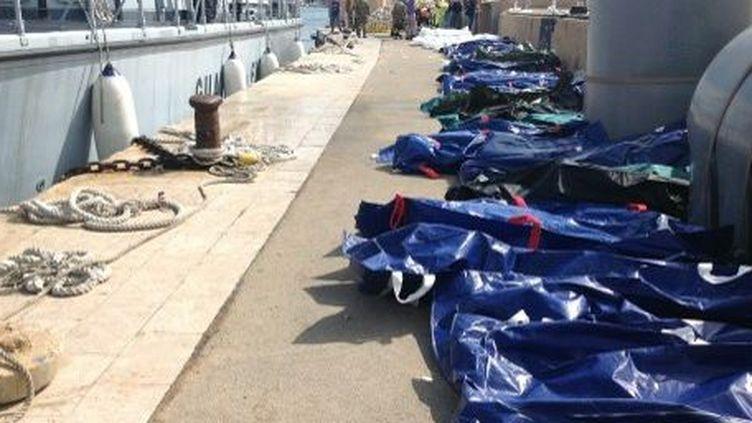 Corps de migrants à Lampedusa (3 octobre 2013) (NINO RANDAZZO / HEALTH AGENCY OF PALERMO / AFP)