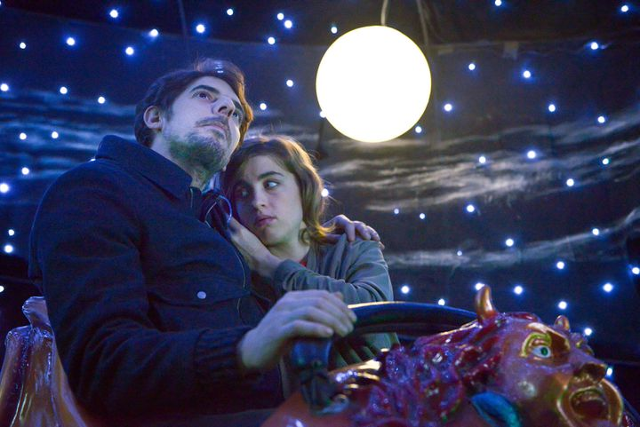 """Adèle Haenel et Damien Bonnard dans """"En liberté !""""  (Memento Films Distribution)"""