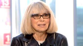 Mireille Darc le 11 novembre 2013 sur le plateau du 13h de France 2.  (Culturebox)