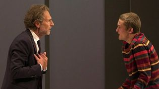Après Yvan Attal, c'est Stéphane Freiss qui reprend le rôle du père de Nicolas, incarné par Rod Paradot.  (France 3 Culturebox (capture d'écran))