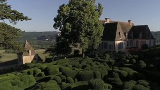 En Dordogne, les jardins de Marqueyssac s'étendent sur 6 kilomètres et offrent la possibilité d'une balade exceptionnelle, en surplombant le cours d'eau. (FRANCE 2)