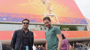 Edouard Brane et Jean-Michel Blais devant le Palais des festivals, le 22 mai 2019. (Lorenzo Ciavarini Azzi/franceinfo Culture)