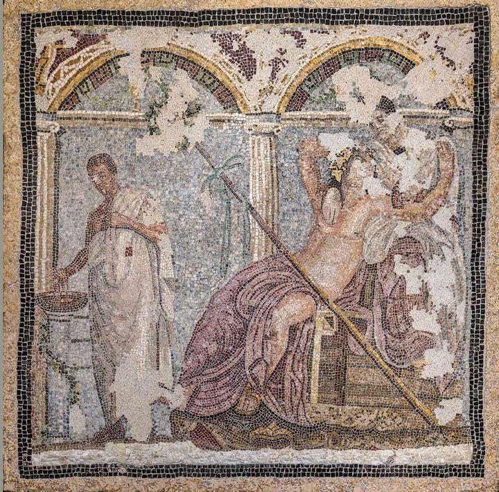 Dionysos et Ariane avec offrande, mosaïque, Pompéi, Parc archéologique de Pompéi (© GEDEON Programmes / Stéphane Compoint)