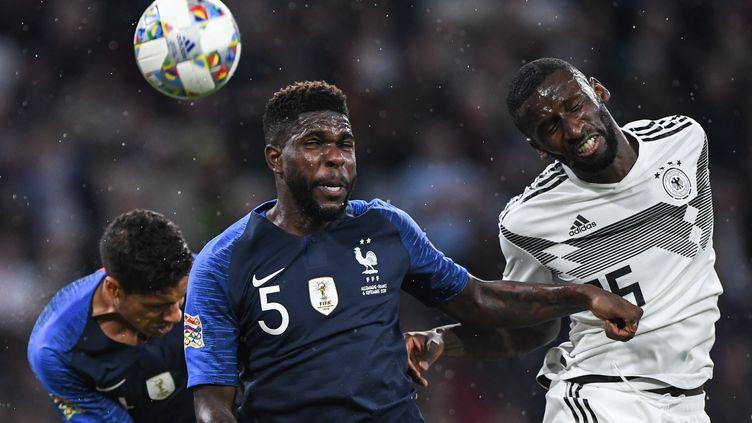 Le Français Samuel Umtitiet l'AllemandAntonio Ruediger lors du match de Ligue des nations à Munich (Allemagne), le 6 septembre 2018. (MARVIN IBO GUENGOER / GES-SPORTFOTO / AFP)