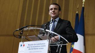 Le ministre de l'Economie, Emmanuel Macron, le 24 février 2016 à Paris. (THOMAS SAMSON / AFP)