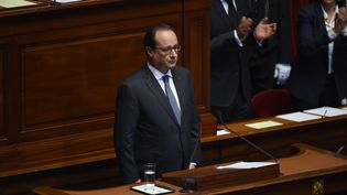François Hollande, le 16 novembre 2015, devant le Congrès rassemblé à Versailles (Yvelines). (STEPHANE DE SAKUTIN / AFP)