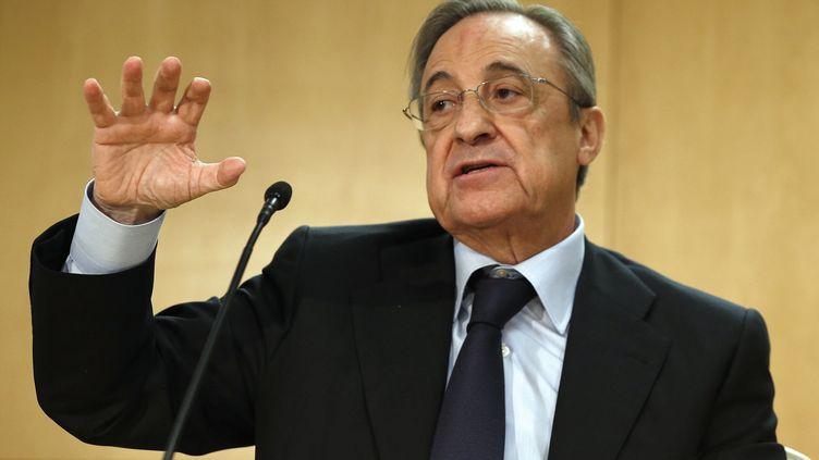 Florentino Perez a annoncé ce mardi en conférence de presse la relance du projet de modernisation du stade Santiago-Bernabeu (JAVIER LIZ?N / EFE)