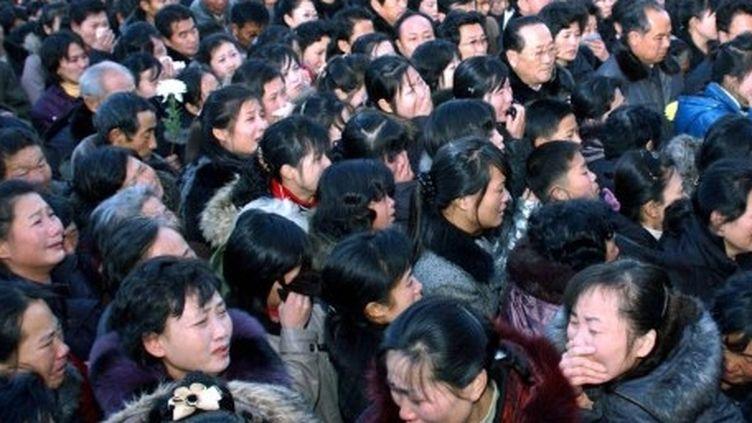 Foule nord-coréenne pleurant la mort de Kim Jong-il à Pyongyang le 19 décembre 2011 (AFP - KCNA via KNS)