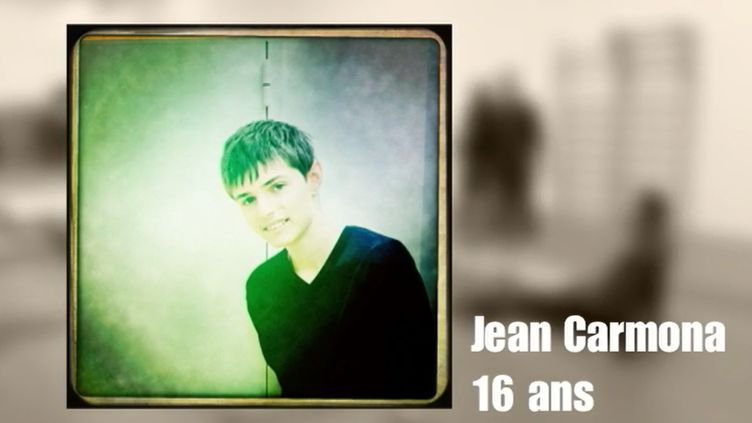 France 2 est allée retrouver la famille de Jean, autiste. Il y a deux ans, ses parents cherchaient une structure adaptée à son handicap. À 16 ans, il est aujourd'hui pris en charge dans un centre médico-éducatif. (France 3)