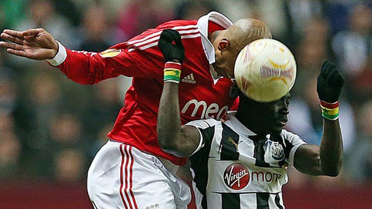 Le défenseur brésilien de Benfica Luisao (IAN MACNICOL / AFP)