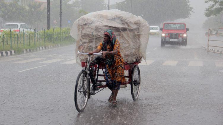 La ville de Bhubaneswar, la capitale de l'Etat d'Odisha, dans l'est de l'Inde, touchée par des pluies diluviennes, le 29 août 2021. (NURPHOTO / AFP)