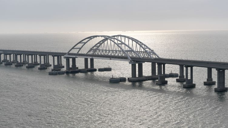 Le pont reliant la Russie à la Crimée, le 23 décembre 2019. (ALEXEY NIKOLSKY / SPUTNIK / AFP)