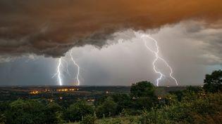 Lors d'un précédent épisode orageux, en janvier 2016. (XAVIER DELORME / BIOSPHOTO / AFP)