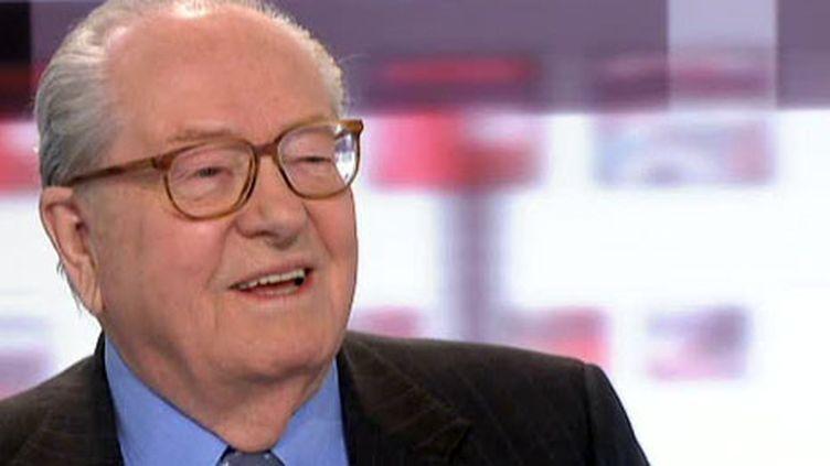 Jean-Marie Le Pen était l'invité des 4 Vérités sur France2, le 22 mars 2011. (France 2)