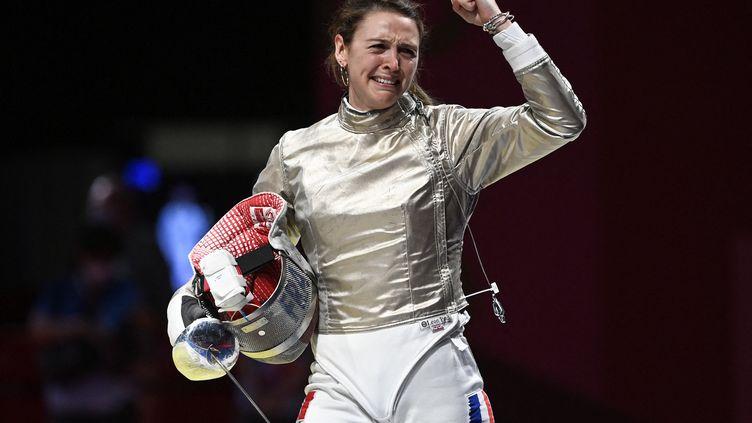 Manon Brunet a remporté la médaille de bronze au sabre lors des Jeux olympiques de Tokyo, le lundi 26 juillet 2021. (HERVIO JEAN-MARIE / KMSP via AFP)