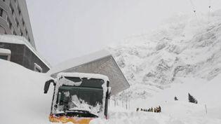 Une avalanche a terminé sa course dans un hôtel en Suisse (Capture d'écran France 2)