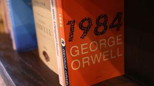 1984 dans une librairie de Los Angeles, 25 janvier 2017  (Justin Sullivan / Getty Images North America / AFP)