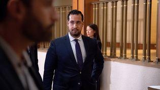Alexandre Benalla arrive au Sénat avant son audition par la commission d'enquête, le 12 septembre 2018 à Paris. (VILLARD / ZIHNIOGLU / SIPA)