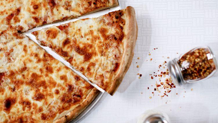 Les pizzas imprimées par l'entreprise d'Anjan Contractor risquent d'être moins appétissantes que celle-ci. (CHAD SPRINGER / IMAGE SOURCE / AFP)