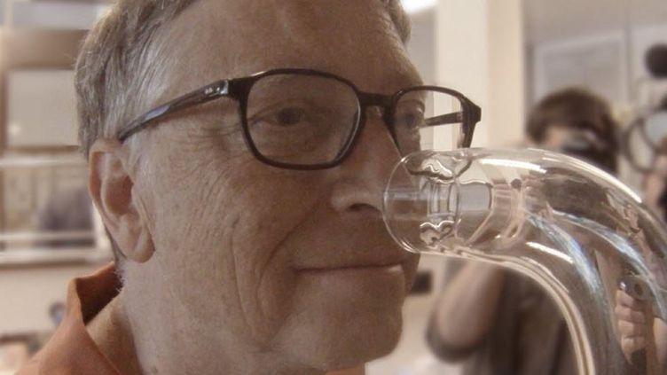 Le milliardaire et philanthropeaméricain Bill Gates, dans les laboratoires de l'entrepriseFirmenich, spécialisée dans la création de parfum. (BILL GATES)