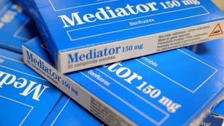Des boites de Mediator, le 18 novembre 2010 à Brest (Finistère). (FRED TANNEAU / AFP)