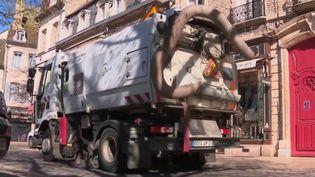 Coronavirus : la décontamination des rues à l'étude en Seinte-et-Marne. (Capture d'écran FRANCE 2.)